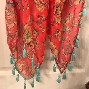 American Eagle Outfitters Accessories - Brand new American eagle tassel scarf